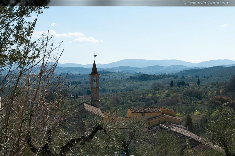 veduta del campanile della chiesa di Mosciano