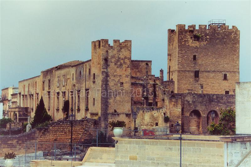 Veduta esterna del castello Episcopio
