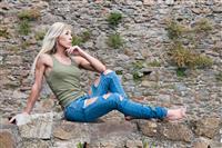Monica Gorni in posa al castello di Scarlino