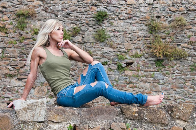 Monica Gorni in posa per set fitness