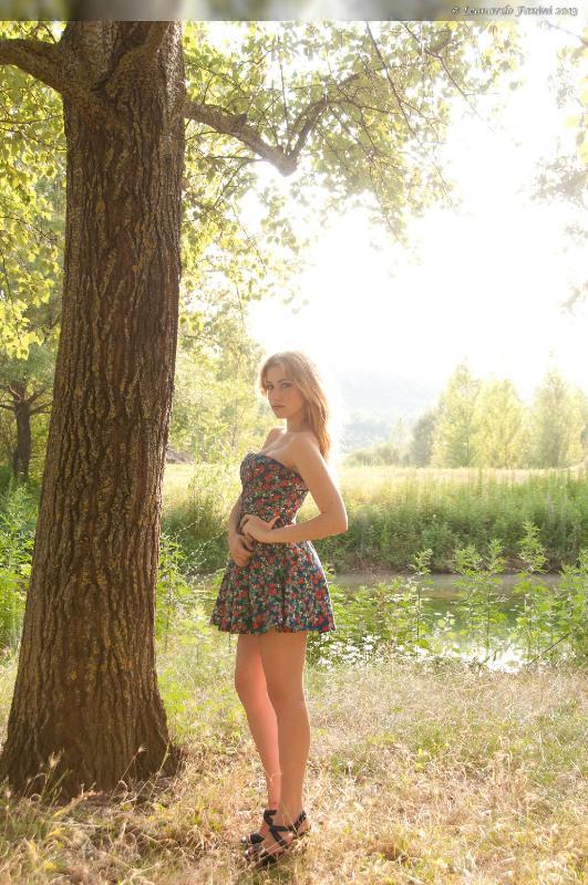 Camilla, foto in contro luce senza flash o pannelli