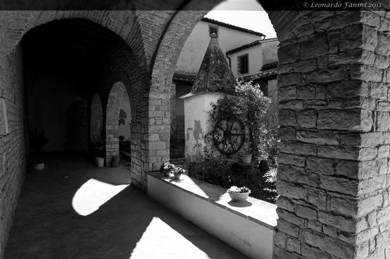 chiostro della chiesa di Mosciano